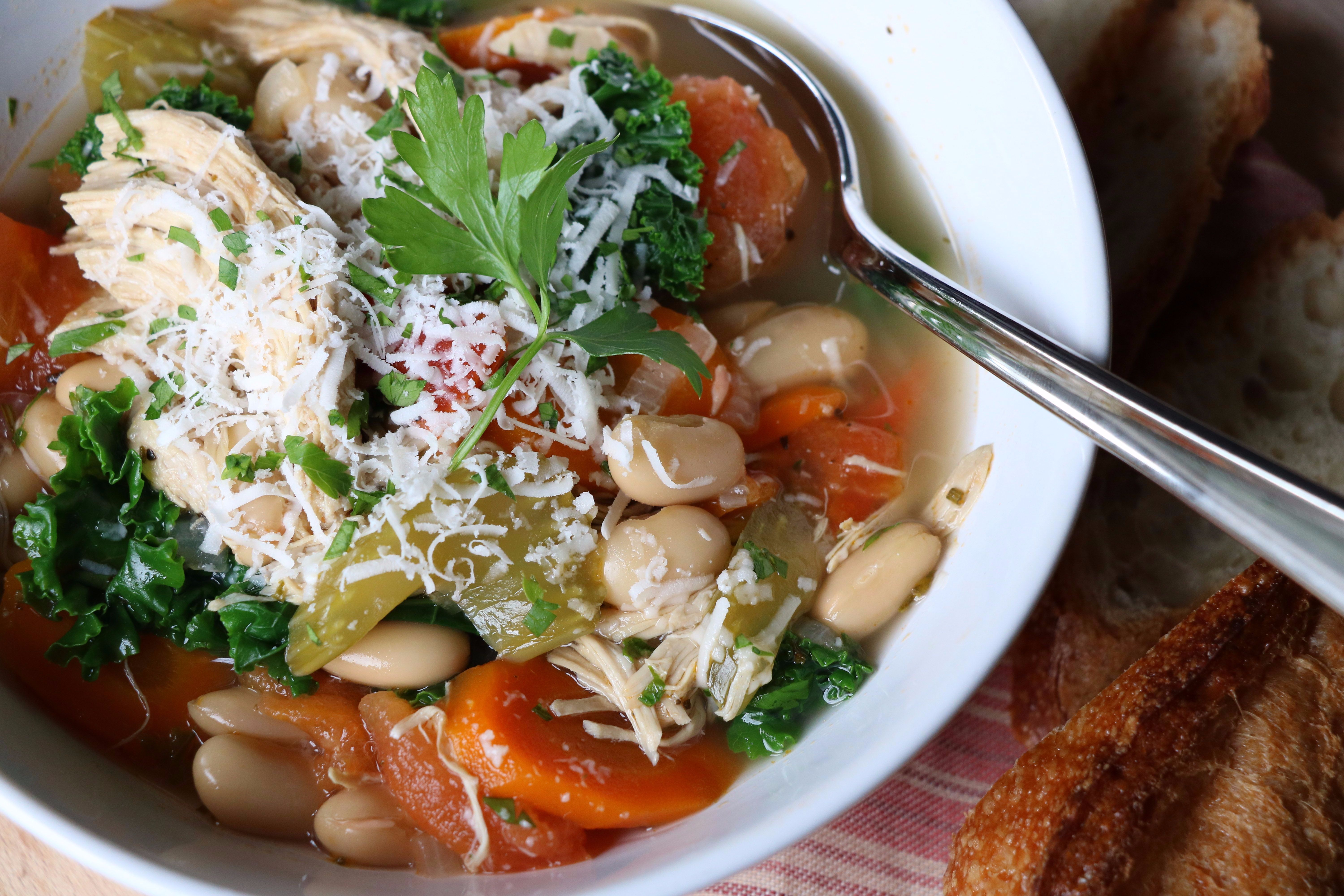 Tuscan Cannellini Bean and Chicken Soup